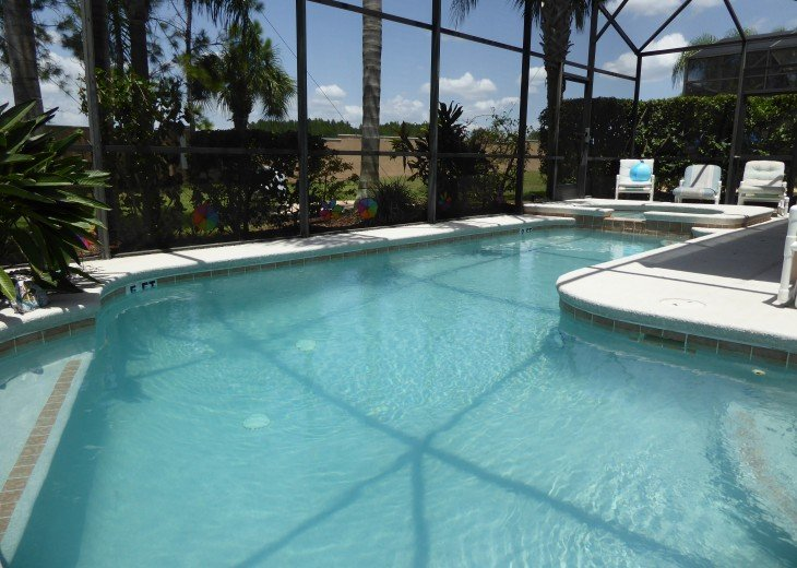 Luxury 4 Br / 3 Ba With Private Pool / Spa / Games room /Free WiFi / Big Garden #25