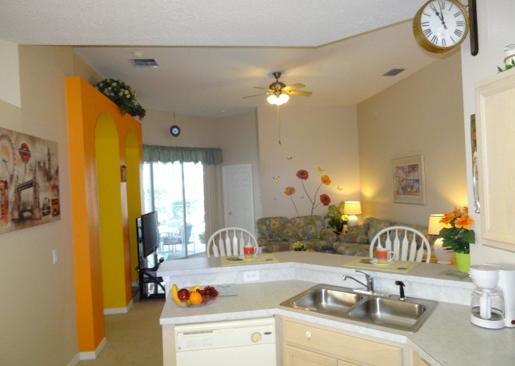 Luxury 4 Br / 3 Ba With Private Pool / Spa / Games room /Free WiFi / Big Garden #6