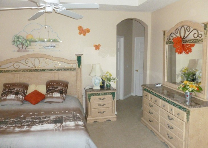 Luxury 4 Br / 3 Ba With Private Pool / Spa / Games room /Free WiFi / Big Garden #12