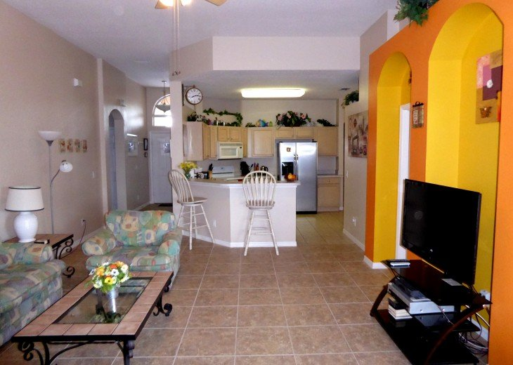 Luxury 4 Br / 3 Ba With Private Pool / Spa / Games room /Free WiFi / Big Garden #3