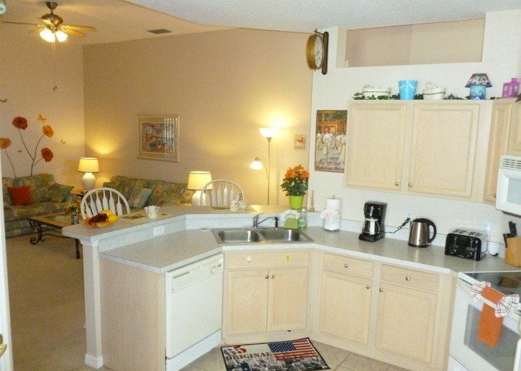 Luxury 4 Br / 3 Ba With Private Pool / Spa / Games room /Free WiFi / Big Garden #9