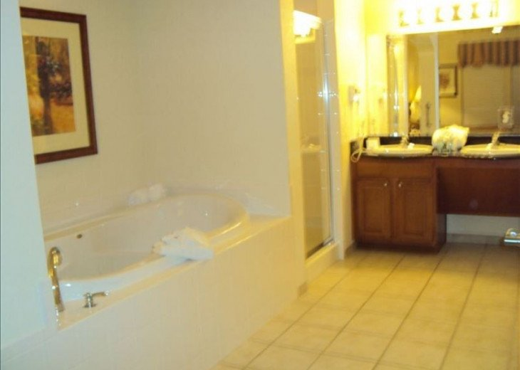 Luxury Resort Condo, 1 mile to Disney, Great for Families, Free Shuttle to Parks #11