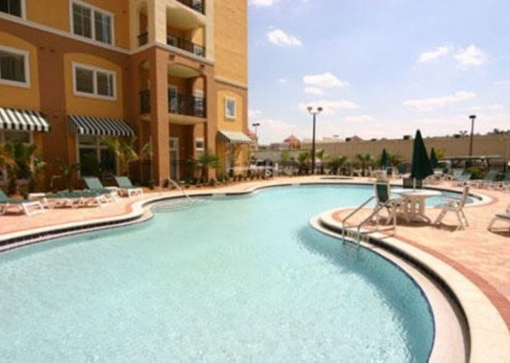 Luxury Resort Condo, 1 mile to Disney, Great for Families, Free Shuttle to Parks #3