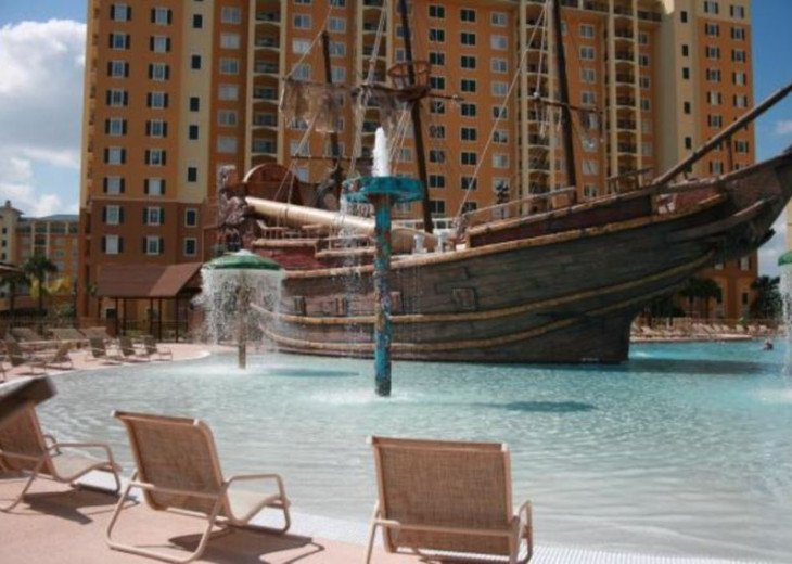 Luxury Resort Condo, 1 mile to Disney, Great for Families, Free Shuttle to Parks #17