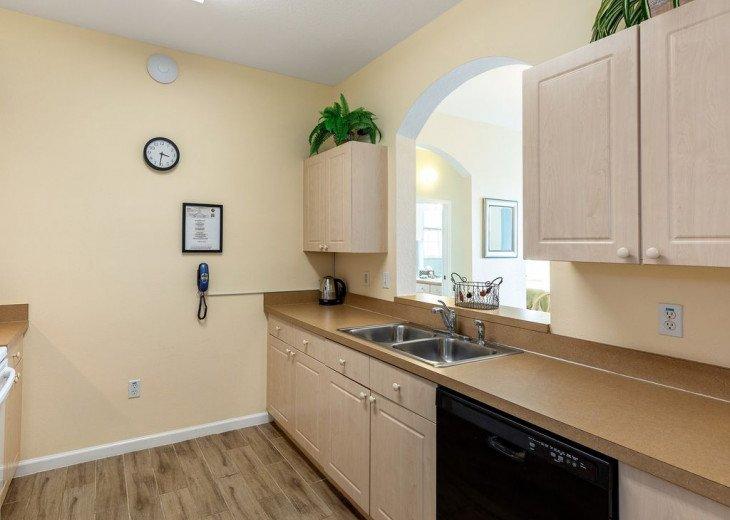 Luxury 3 bedroom condo close to Disney with access to resort facilities #10