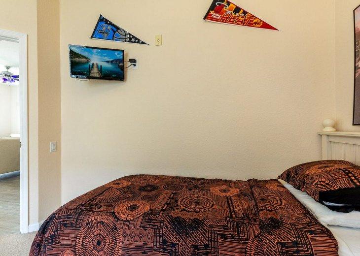 Luxury 3 bedroom condo close to Disney with access to resort facilities #35
