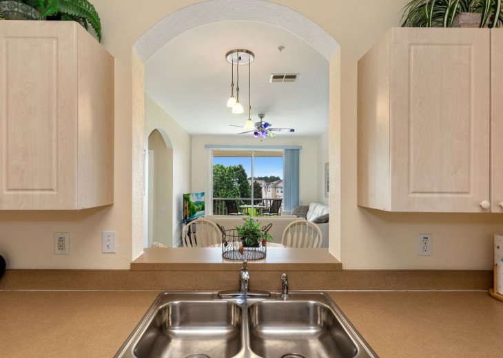 Luxury 3 bedroom condo close to Disney with access to resort facilities #24