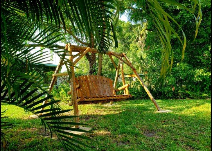 Sunny home in Paradise - near Spectacular Beaches! #17