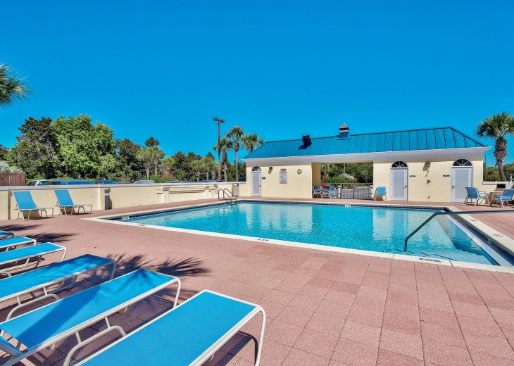 2nd pool on the north side of Leeward Key. Has BBQ grills.