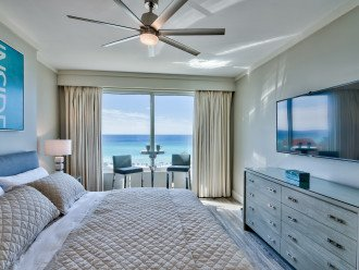 Master King Bedroom with Gorgeous Gulf Views and En Suite Bathroom