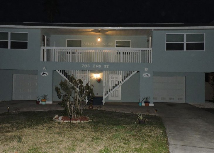 Awesome! Indian Rocks Beach Rental, Private Unit B, Renovated,Short walk to Bea #24