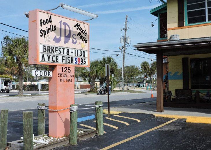 Awesome! Indian Rocks Beach Rental, Private Unit B, Renovated,Short walk to Bea #36