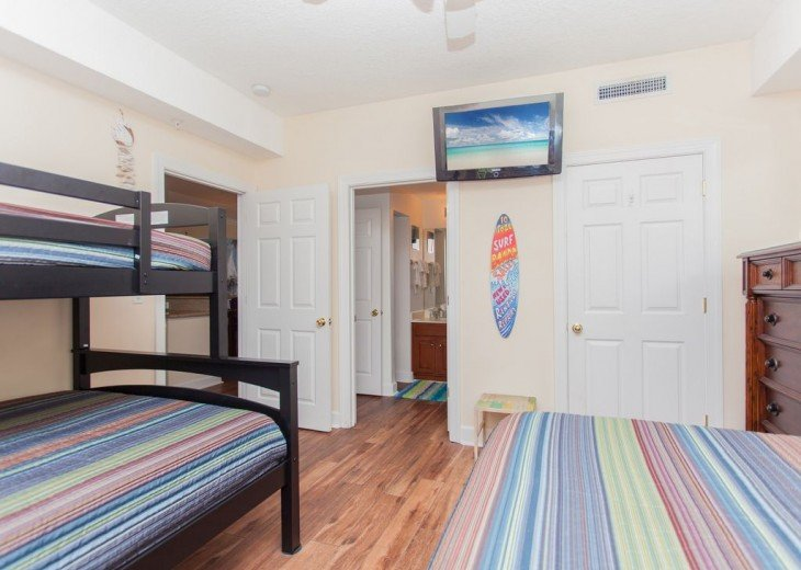 SEA is Calling. ANSWER! Squeaky Clean, Spacious Unit - We make VACATION Better! #12