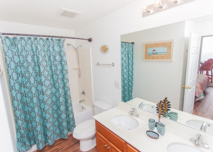 SEA is Calling. ANSWER! Squeaky Clean, Spacious Unit - We make VACATION Better! #9