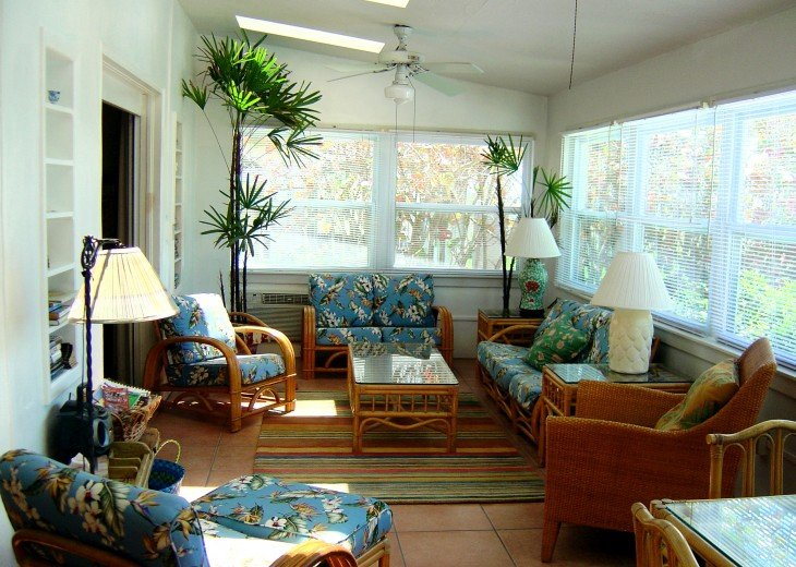SU Casa - Sleeps 12/Charming and Colorful Gulf Front Home #2