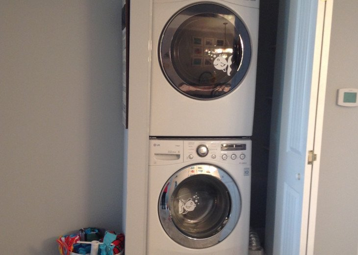 Fullsize Washer and Dryer - Steam Cleaned