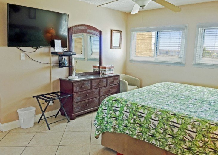 C104 Gorgeous Beach-Front Condo, located right on the gulf! #13