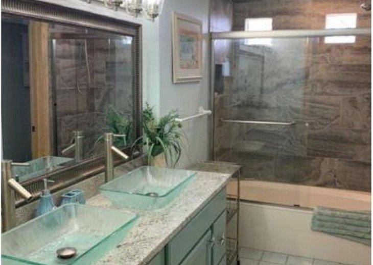 Full Bath with Double Vanity/Sinks