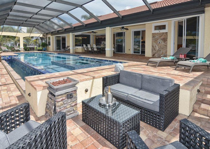 Caribbean Island Dolphin View - 54 ft log pool/ spa, dock 2 min. to the river #56