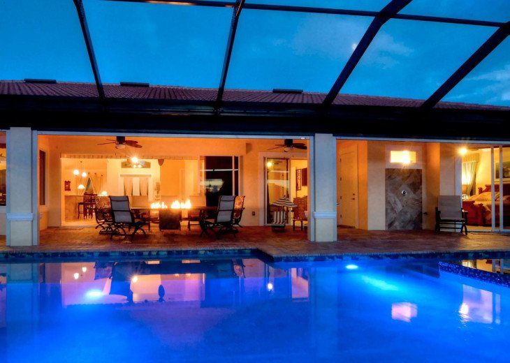 Caribbean Island Dolphin View - 54 ft log pool/ spa, dock 2 min. to the river #5