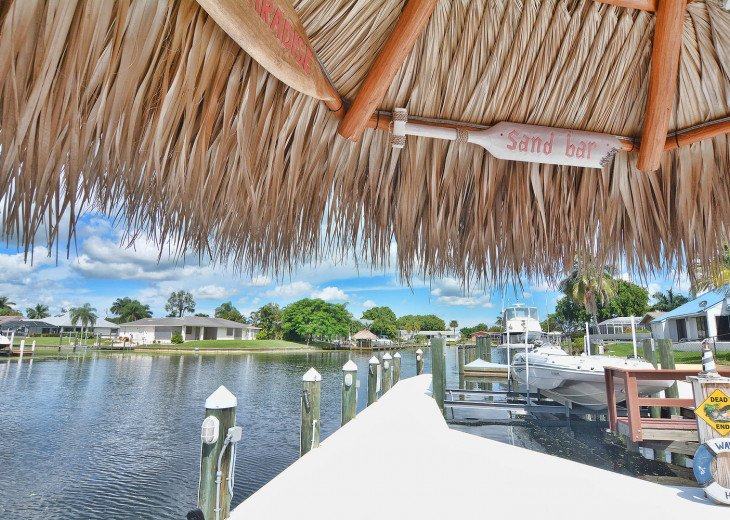 Caribbean Island Dolphin View - 54 ft log pool/ spa, dock 2 min. to the river #64
