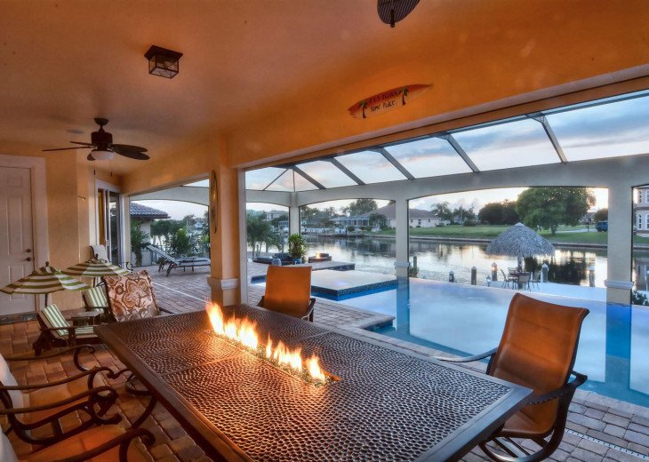 Caribbean Island Dolphin View - 54 ft log pool/ spa, dock 2 min. to the river #19