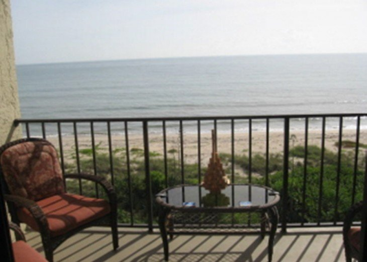 Beachfront 2 Bedroom 2 Bath Condo #2