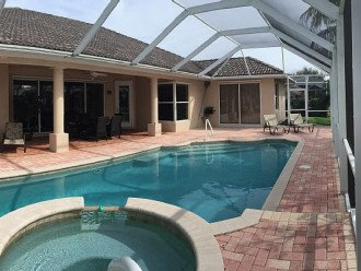 House 14 - Tropical Lagoon #1