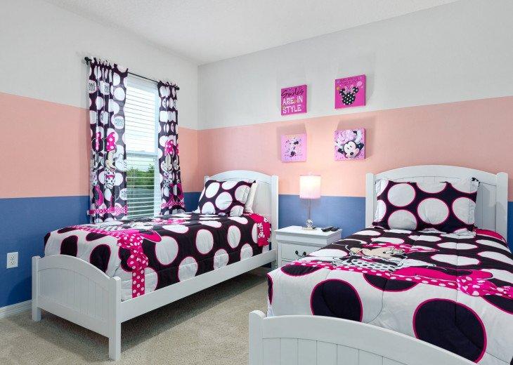 Beautiful 7 Bedroom Home Pool Home in Solterra Resort #44
