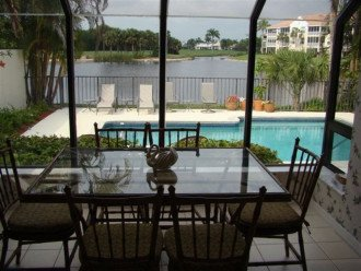 3 bedroom villa with private pool, overlooking golf course in Naples, Florida #1