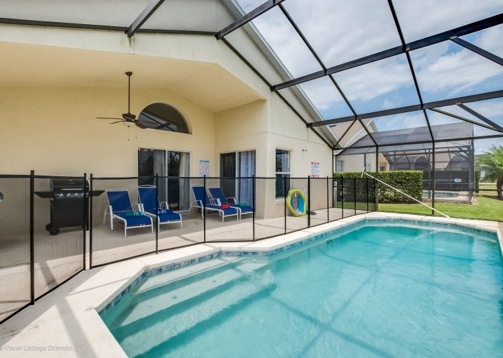 BEAUTIFUL VACATION RENTAL HOME ONLY 10 MINUTES TO DISNEY. GAME ROOM #1