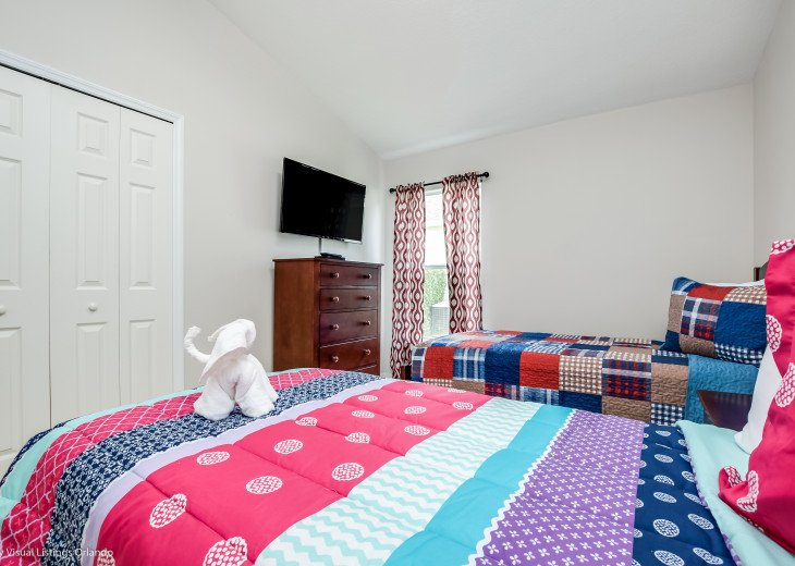 15% OFF 5 STAR VACATION RENTAL HOME ONLY 7 MILES TO DISNEY. GAME ROOM #35