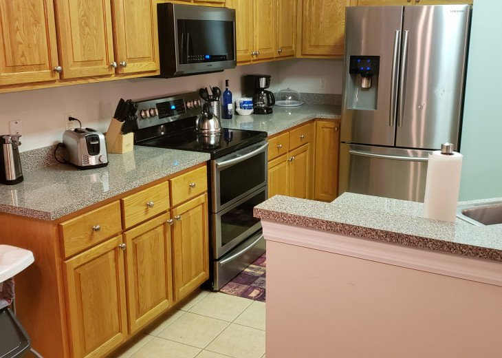 BEAUTIFUL VACATION RENTAL HOME ONLY 10 MINUTES TO DISNEY. GAME ROOM #27