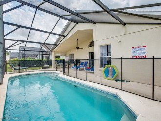 15% OFF 5 STAR VACATION RENTAL HOME ONLY 7 MILES TO DISNEY. GAME ROOM #1
