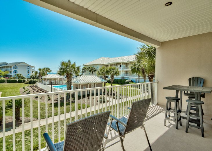 Gulf Views! Relax on the balcony and watch the kids in the pool.