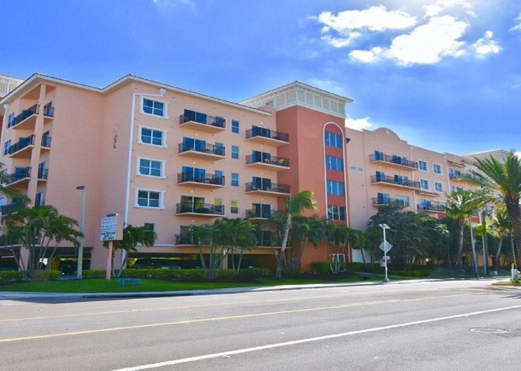 Coastal and Cozy Condo Overlooking Boca Ciega Bay #7