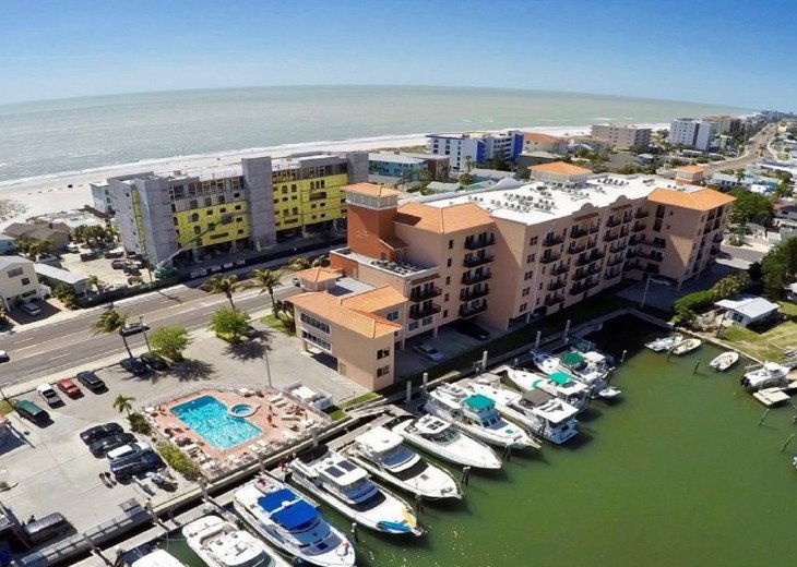 Coastal and Cozy Condo Overlooking Boca Ciega Bay #5