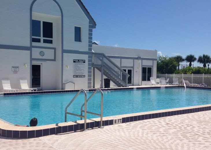 CLUBHOUSE AND OCEANSIDE POOL AND DECK