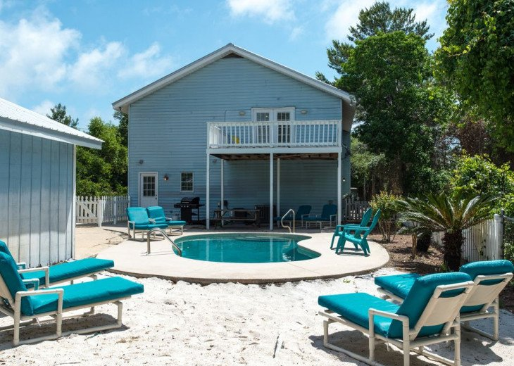 The Blue Marlin -Discounts! - 1 block to beach - Private Heated pool - GOLF CART #32