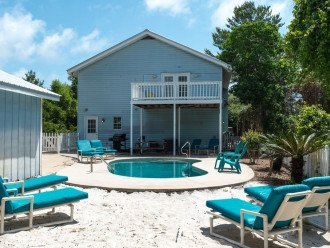 The Blue Marlin -AUGUST DISCOUNTS- 1 block to beach - Private pool - GOLF CART #1