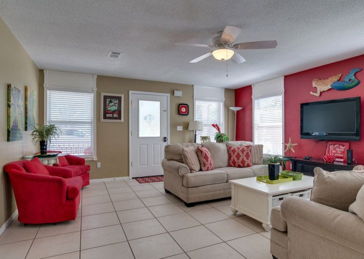 AUGUST DISCOUNTS | GOLF CART | PRIVATE HEATED POOL | 2 BLOCKS TO BEACHFRONT #10