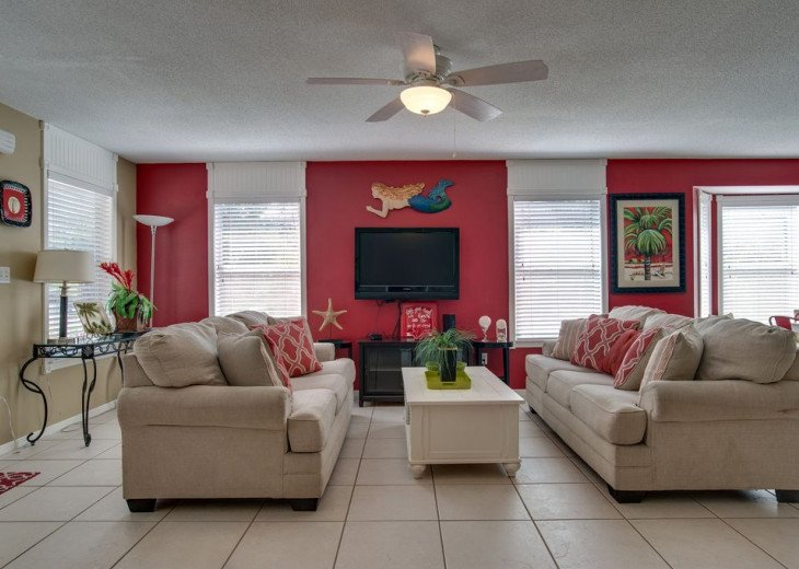 AUGUST DISCOUNTS | GOLF CART | PRIVATE HEATED POOL | 2 BLOCKS TO BEACHFRONT #9