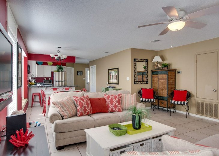 AUGUST DISCOUNTS | GOLF CART | PRIVATE HEATED POOL | 2 BLOCKS TO BEACHFRONT #8