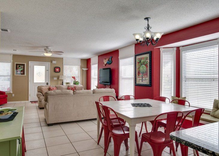 AUGUST DISCOUNTS | GOLF CART | PRIVATE HEATED POOL | 2 BLOCKS TO BEACHFRONT #15