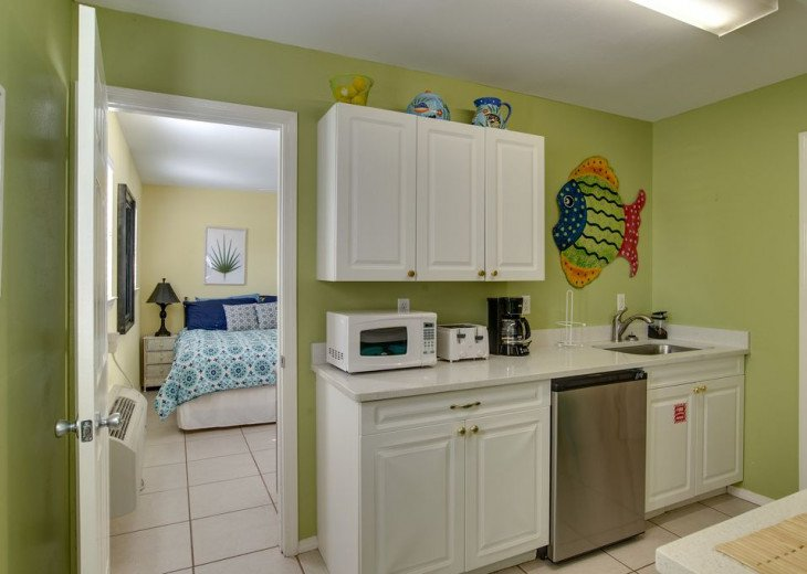AUGUST DISCOUNTS | GOLF CART | PRIVATE HEATED POOL | 2 BLOCKS TO BEACHFRONT #27