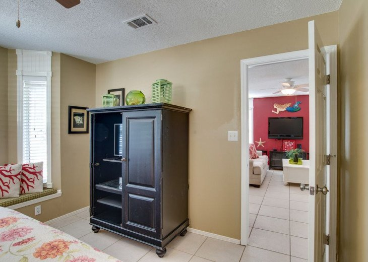 AUGUST DISCOUNTS | GOLF CART | PRIVATE HEATED POOL | 2 BLOCKS TO BEACHFRONT #17