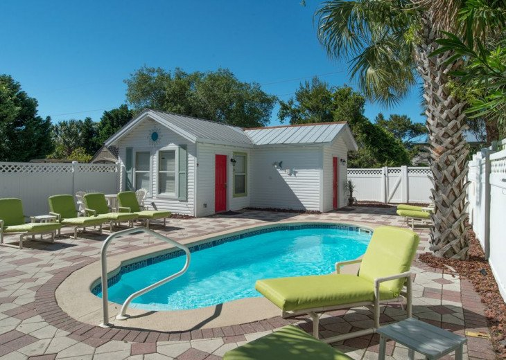 AUGUST DISCOUNTS | GOLF CART | PRIVATE HEATED POOL | 2 BLOCKS TO BEACHFRONT #6