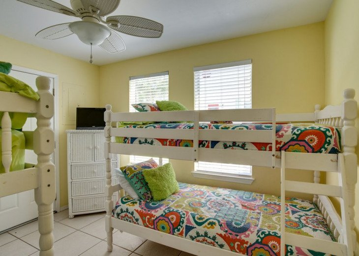 AUGUST DISCOUNTS | GOLF CART | PRIVATE HEATED POOL | 2 BLOCKS TO BEACHFRONT #29
