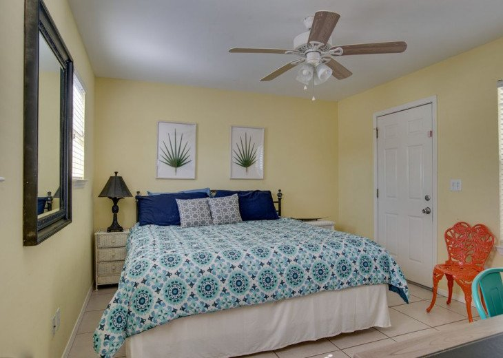 AUGUST DISCOUNTS | GOLF CART | PRIVATE HEATED POOL | 2 BLOCKS TO BEACHFRONT #32