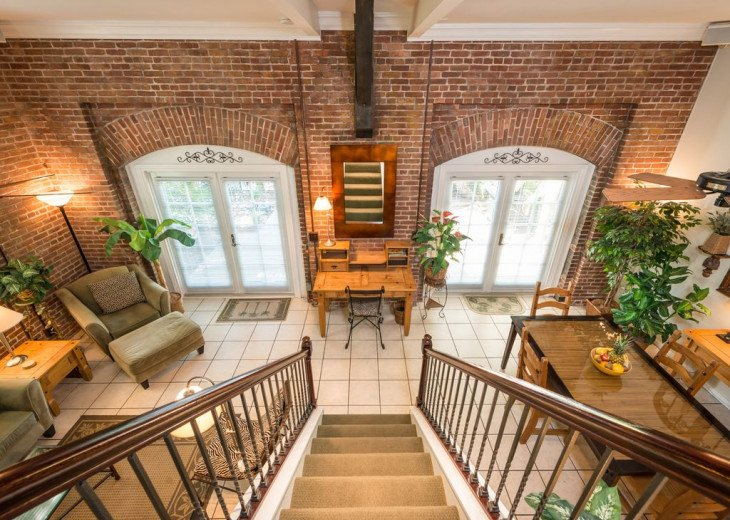 Truman Annex - ' Island Queen' End Unit Villa is One-of-a-Kind! #16